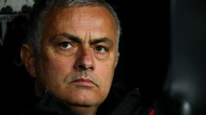 Mourinho, die eigenlijk niks mag zeggen over ontslag bij Man United, licht toch tipje van de sluier voor 'bijbaantje' dat hem 130.000 euro oplevert