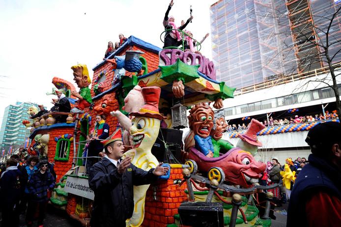 Archieffoto uit 2011 van de carnavalsoptocht in Eindhoven.