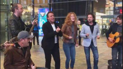 Marco Borsato verrast treinreizigers in Rotterdam