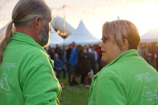 René (links) en Petra Baremans bij de Rijsbergse Vliegerdagen 2017.