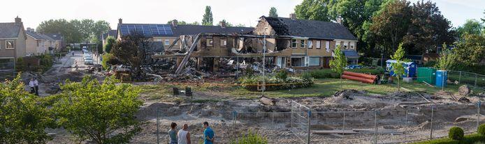 De ravage na de explosie in juni 2016.