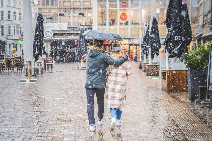 Liefde is: je paraplu delen.