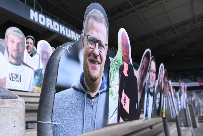 Het Borussia-Park blijft ook nu niet leeg: kartonnen fans op de Nordkurve.