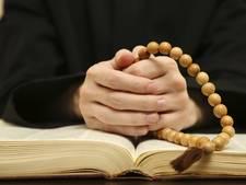 Priester aan de slag in Nuenen na conflict in Huissen