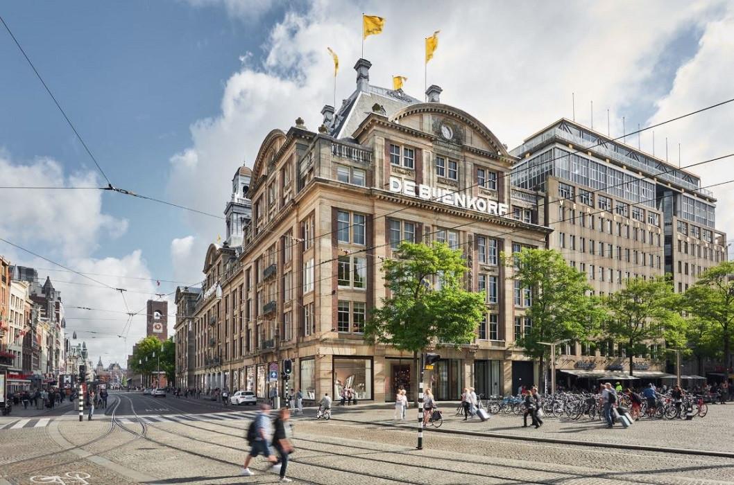 De vestiging van De Bijenkorf in Amsterdam.