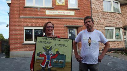 Koppel opent Herberg Koning Ezel vol cartoons