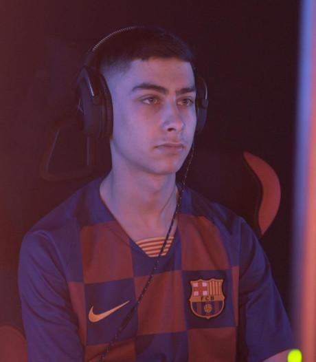 Almelose gamer sleept contract bij FC Barcelona in de wacht: 'Dit is ongelooflijk'