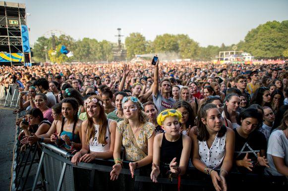 Publiek tijdens Sziget in Boedapest.