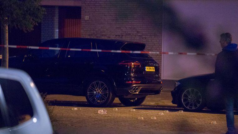 Jalink werd vrijdagavond 27 mei rond tien uur vlakbij zijn huis op de Klipperweg in Diemen neergeschoten in zijn Porsche Cayenne. Beeld anp