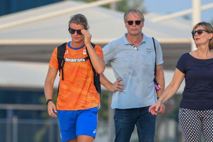Dafne Schippers en haar ouders.