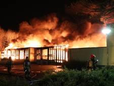 Basisschool Lelystad gaat verloren in vuurzee: geen ontruiming woningen met senioren, corona-gevaar afgewend