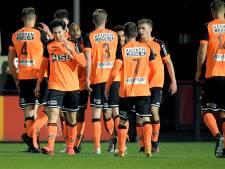 FC Volendam-spelers eren Maradona: 'Een voorbeeld voor velen'
