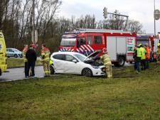 Brandweerman spoedt zich naar ongeluk in Dieren, daar blijkt zijn vrouw betrokken bij aanrijding