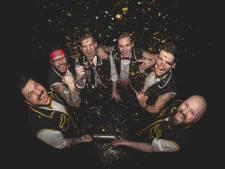 Pene Corrida brengt nieuw album uit met bekende popnummers in een metal-jasje