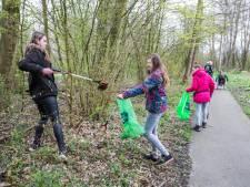 Vrijwilligers zetten zich in voor schoon Westerpark