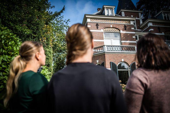 Donorkinderen voor de voormalige kliniek in Oosterbeek.