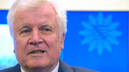 Seehofer stopt als partijvoorzitter maar wil ministerpost niet opgeven