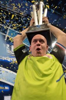 Vlijmense wereldkampioen Van Gerwen grote winnaar op PDC-gala in Londen
