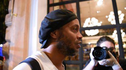 """Ronaldinho zit al twee maanden opgesloten in luxehotel en spreekt voor het eerst: """"Zeer zware periode"""""""