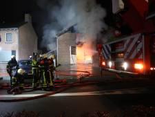 Gewonde bij grote brand in loods Raamsdonksveer: geschrokken bewoners horen gasflessen ontploffen