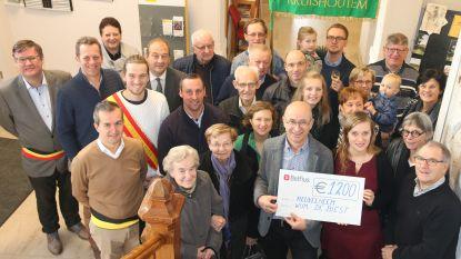 Jubilerend feestcomité De Biest schenkt 1.200 euro aan Heuvelheem