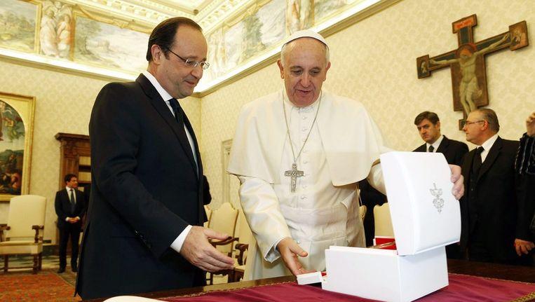 Hollande had vanochtend een ontmoeting met paus Franciscus Beeld ANP
