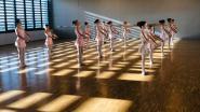 """Dansschool Minne danst vijf dagen in openlucht in Oudenaarde: """"Elke leerling krijgt ruimte waarin hij kan bewegen"""""""