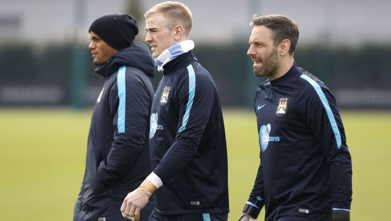 Vincent Kompany (L), eerste doelman Joe Hart (M) en Richard Wright (R)