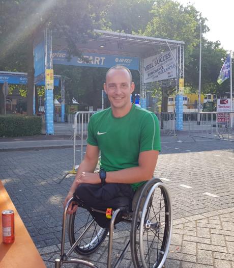 Ridderkerker in rolstoel snelste ooit bij finish Vierdaagse