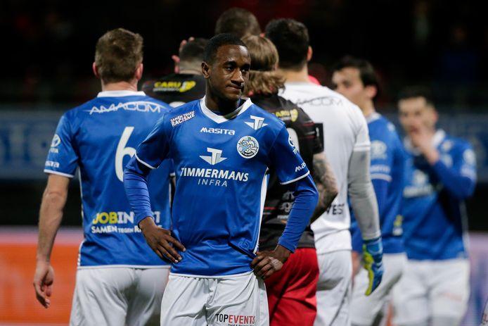Kevin Felida kan het maar moeilijk geloven: FC Den Bosch gaat met 6-4 onderuit tegen Excelsior na een bizarre tweede helft.