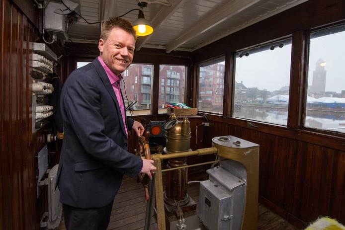 Henk Schippers op de Ooster-Schelde in Zwolle.