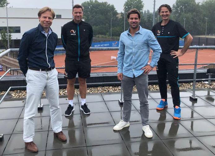 Van links naar rechts: Erik Poel, Dennis Sporrel, Peter Lucassen en Jacco Eltingh.