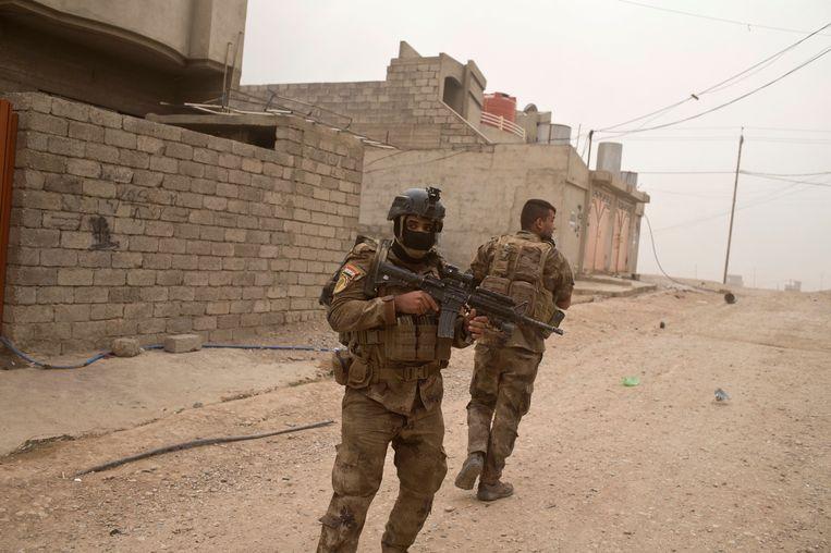 Iraakse soldaten in Mosul. Beeld AP