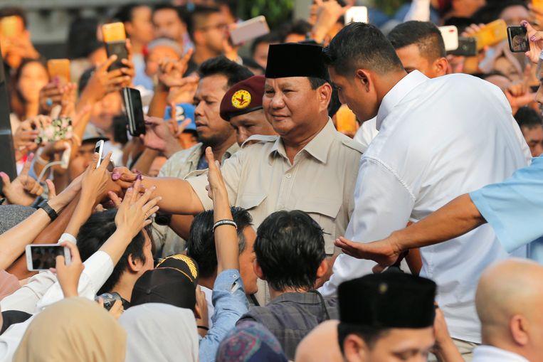 De Indonesische presidentskandidaat Prabowo Subianto claimde vandaag de overwinning in Jakarta, hoewel de eerste uitslagen anders uitwijzen. Beeld null