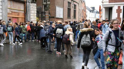 """Leerkrachten op straat tegen fusieschool Perron 3000. """"Er is geen draagvlak"""", zegt leerkracht Ingeborg Verheyden"""