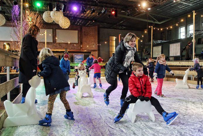 Winter Station, met de ijsbaan tussen de treinen, blijft een van de populairste evenementen in het Spoorwegmuseum.