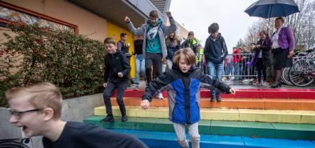 Rembrandt College Veenendaal viert Paarse Vrijdag: 'Jezelf kunnen zijn is een feestje'