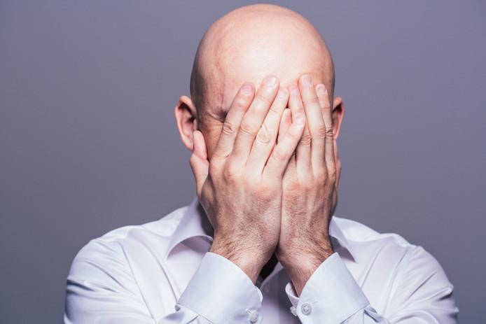 Mannen die langer werken dan 40 uur per week, zouden sneller kaal worden.