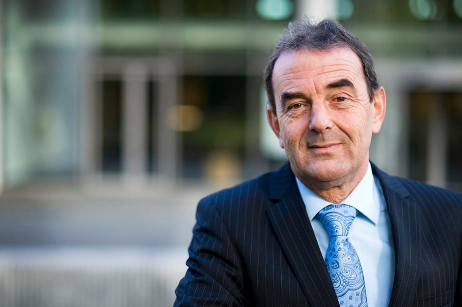Burgemeester Nol Kleijngeld van Waalwijk.
