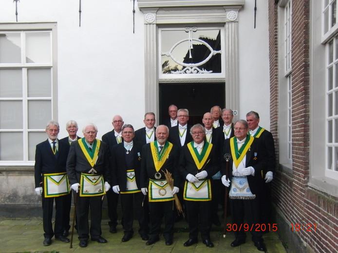 Loge De Oosterkim heft Huib Lazet gevraagd om woensdag 22 juni in het Koetshuis aan de Marktstraat een lezing te verzorgen over het ontstaan van de vrijmetselaars.