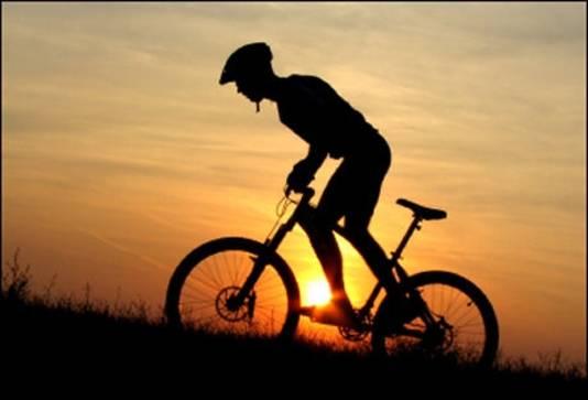 Sport niet tussen 12.00 en 16.00 uur, maar vroeg in de ochtend of wat later op de dag.
