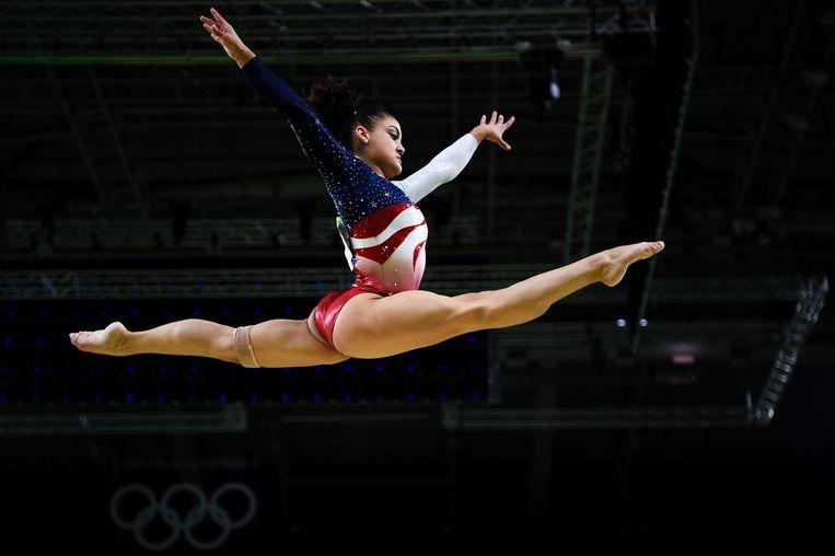 Lauren Hernandez was een van de pupillen van de voor acht jaar geschorste coach Maggie Haney.  Beeld