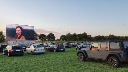"""Denderleeuws familiebedrijf HD Ledshine levert grote schermen voor 'Kinepolis On Tour': """"Drive-ins kwamen als geschenk uit de hemel"""""""