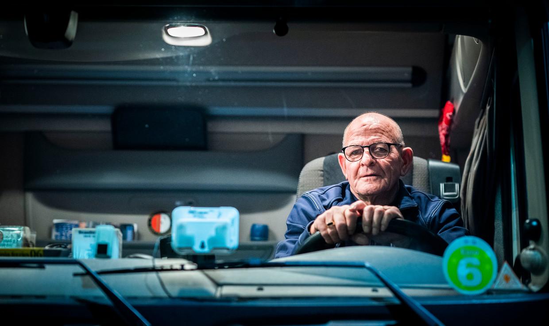 Ed is vrachtwagenchauffeur en woont in Brabant, hij werkt door na zijn pensioen. Beeld Freek van den Bergh / de Volkskrant