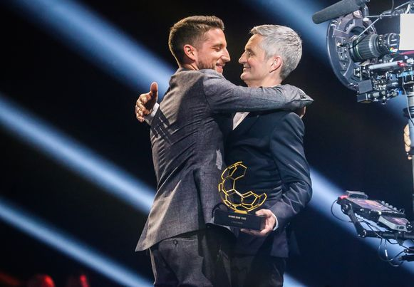 Dries en zijn vader Herman Mertens vorig jaar op het Gala van de Gouden Schoen.