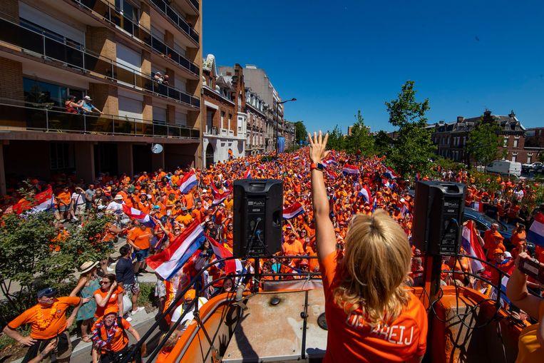 Oranje fanzone in Valenciennes. Beeld BSR Agency