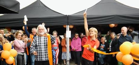 Velthuis doet warming-up met Olga Commandeur bij opening Kwiekroute