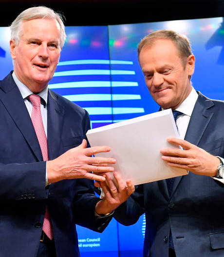 Tusk prijst EU onderhandelaar Barnier