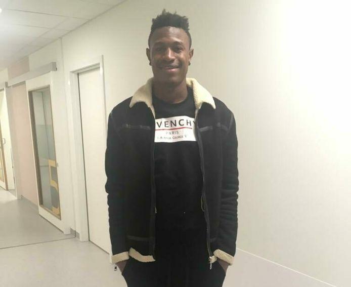 Muhammed Badamosi kwam donderdag aan in Kortrijk en zit maandag al meteen in de selectie van Yves Vanderhaeghe.