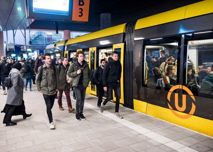 De nieuwe tram rijdt al naar De Uithof.